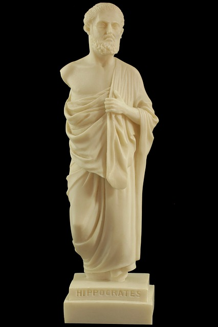 статуя Гиппократа
