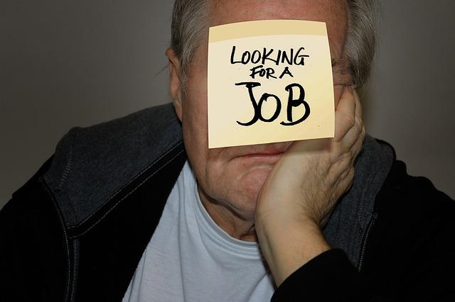 пенсионер в поиске работы
