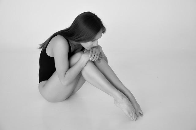 грустная гимнастка